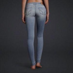 Hollister super skinny jeans in light color
